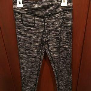 Pants - NWOT: Black and white Zella leggings